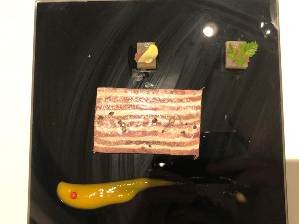 Lucullus : langue de boef fumee et mousseline de foie gras